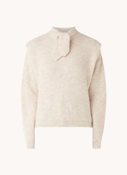 Fijngebreide trui in alpacablend met strikkraag