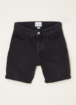 Korte spijkerbroek met gekleurde wassing