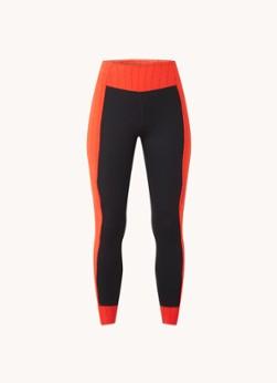 Nike Mid waist cropped trainingslegging met Dri-FIT en logoprint