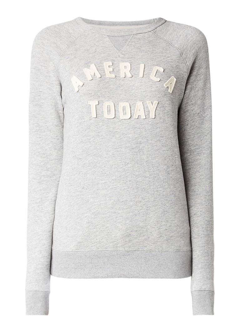 America Today Story sweater met logo-applicatie