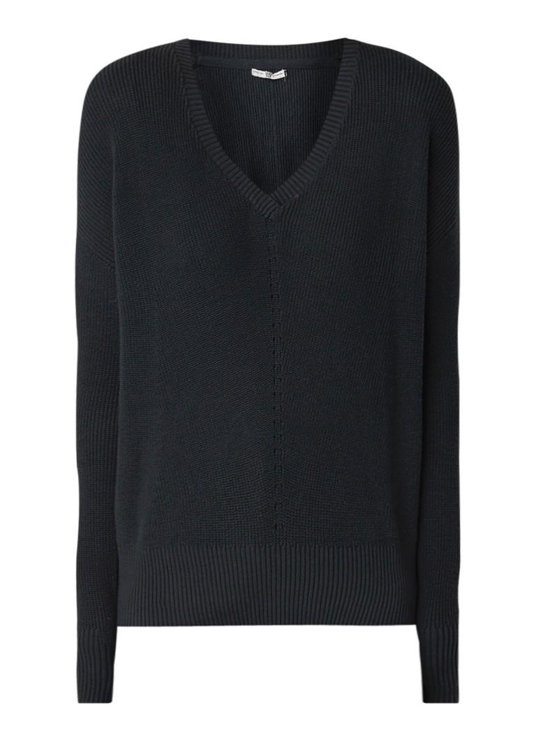 America Today Kelis fijngebreide pullover met V-hals