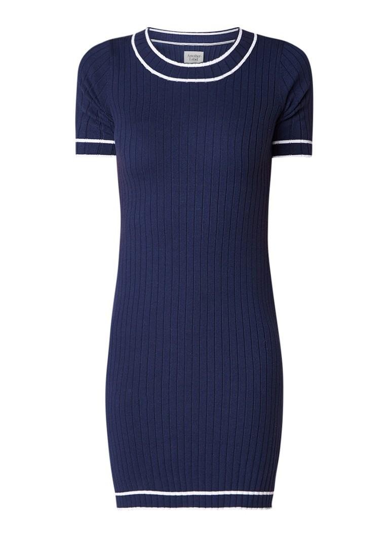 Another-Label Javelot ribgebreide jurk met getipte boorden donkerblauw