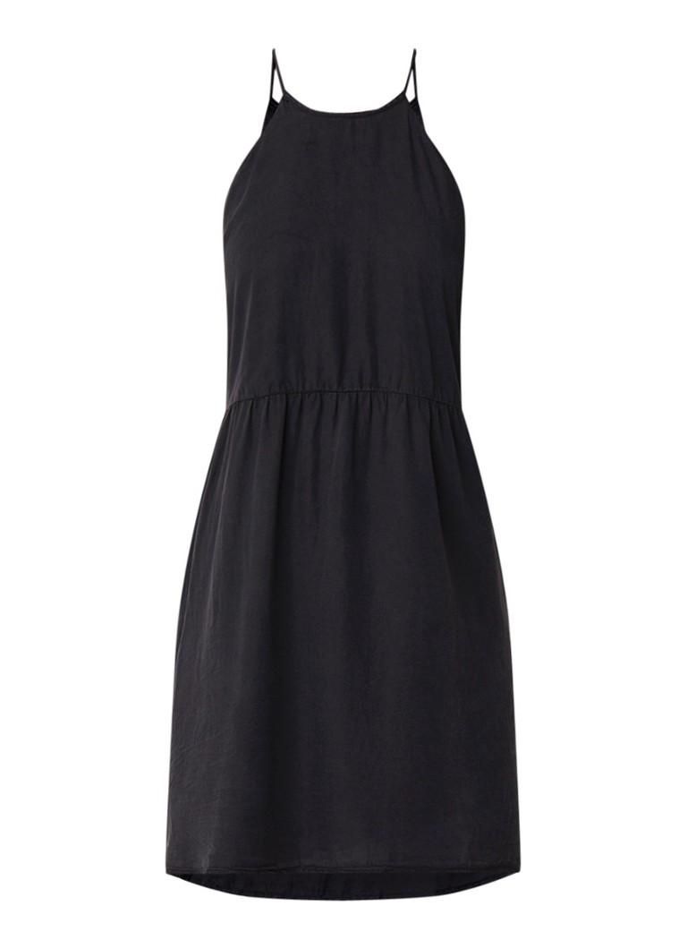 Mango Soroya A-lijn jurk met plooien zwart