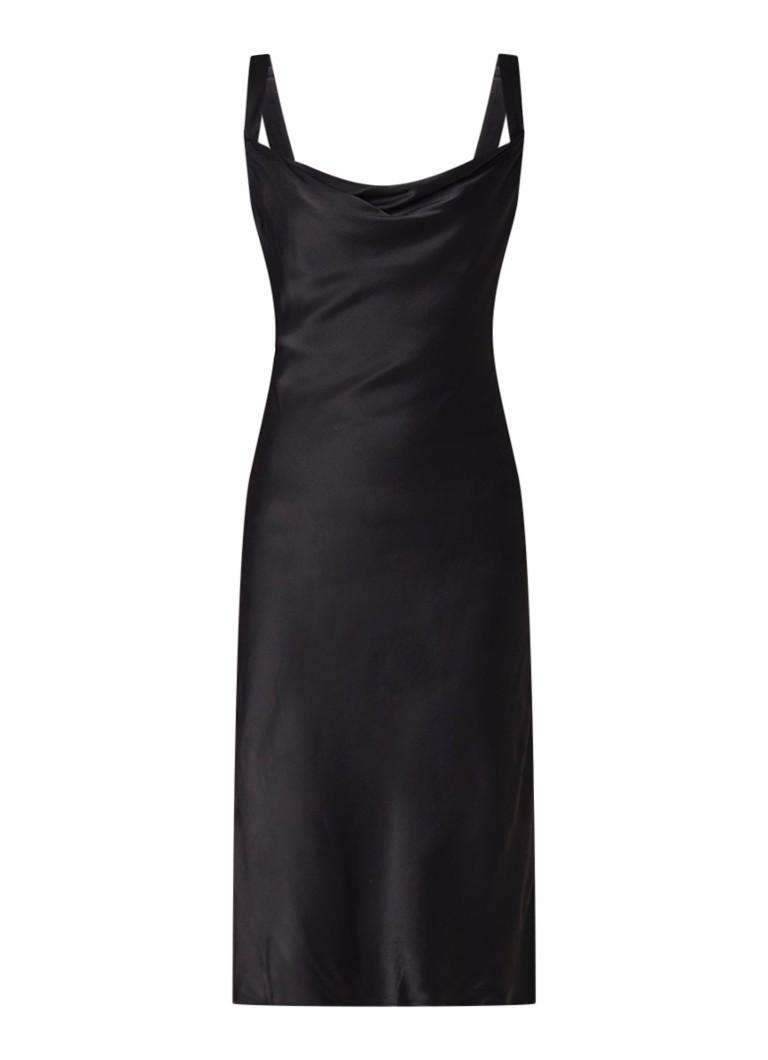 Mango Bas mouwloze jurk van satijn met watervalhals zwart