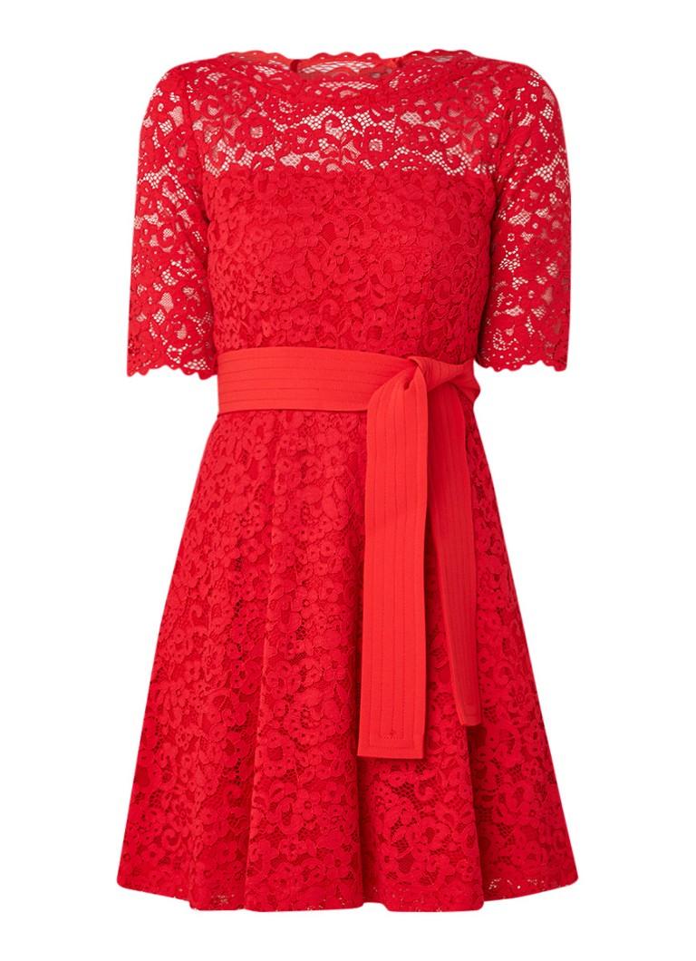Claudie Pierlot Roselie A-lijn jurk van guipure kant en strikceintuur rood