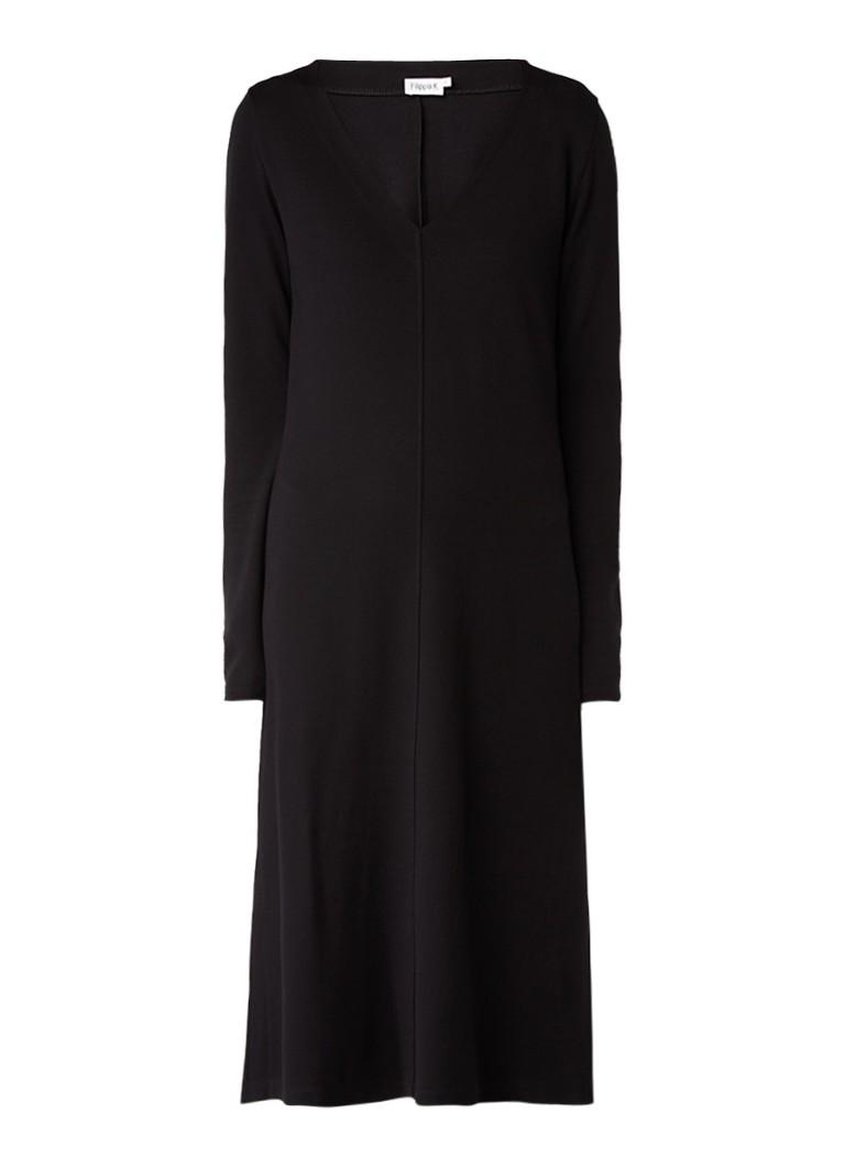 Filippa K Midi-jurk met V-hals en deelnaad zwart