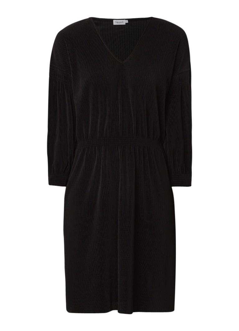 Filippa K Mimi geplisseerde jurk met gesmockte details zwart
