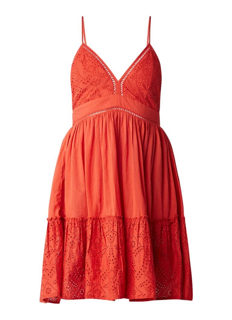 Maje Rendi jurk met broderie en plooien roodbruin