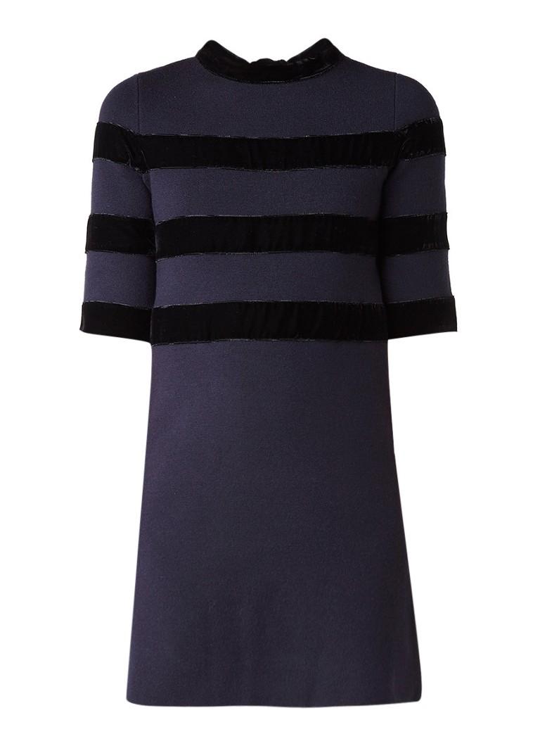 Maje Relina jurk met streepdessin van fluweel donkerblauw
