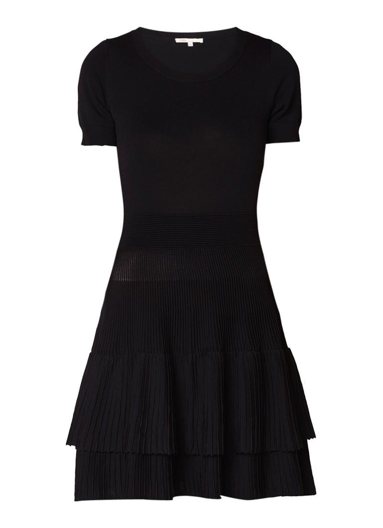 Maje Raliano A-lijn jurk met ribdetail en volant zwart