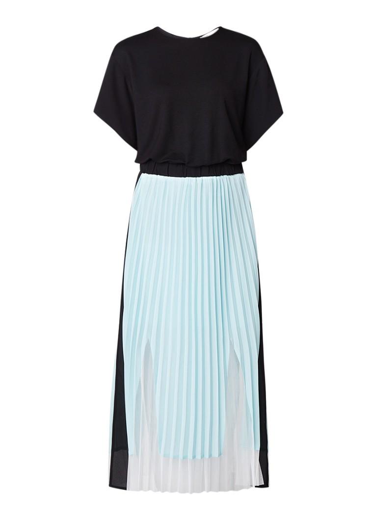 Maje Ranbala maxi-jurk met plissé contrast lichtblauw