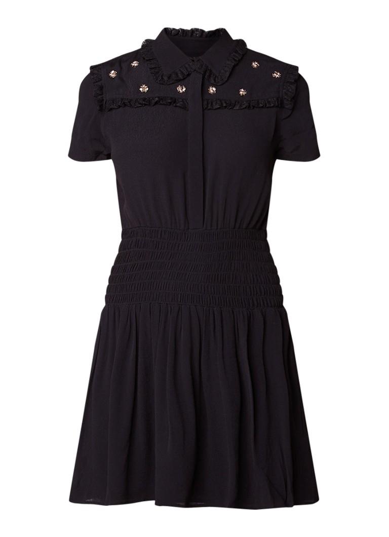 Maje Ravanna jurk met gesmockte tailleband en bijen applicaties zwart