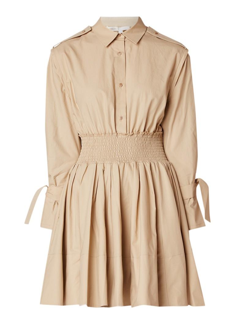Maje Ralix mini blousejurk met gesmockte taille en strikmanchet donkerbeige