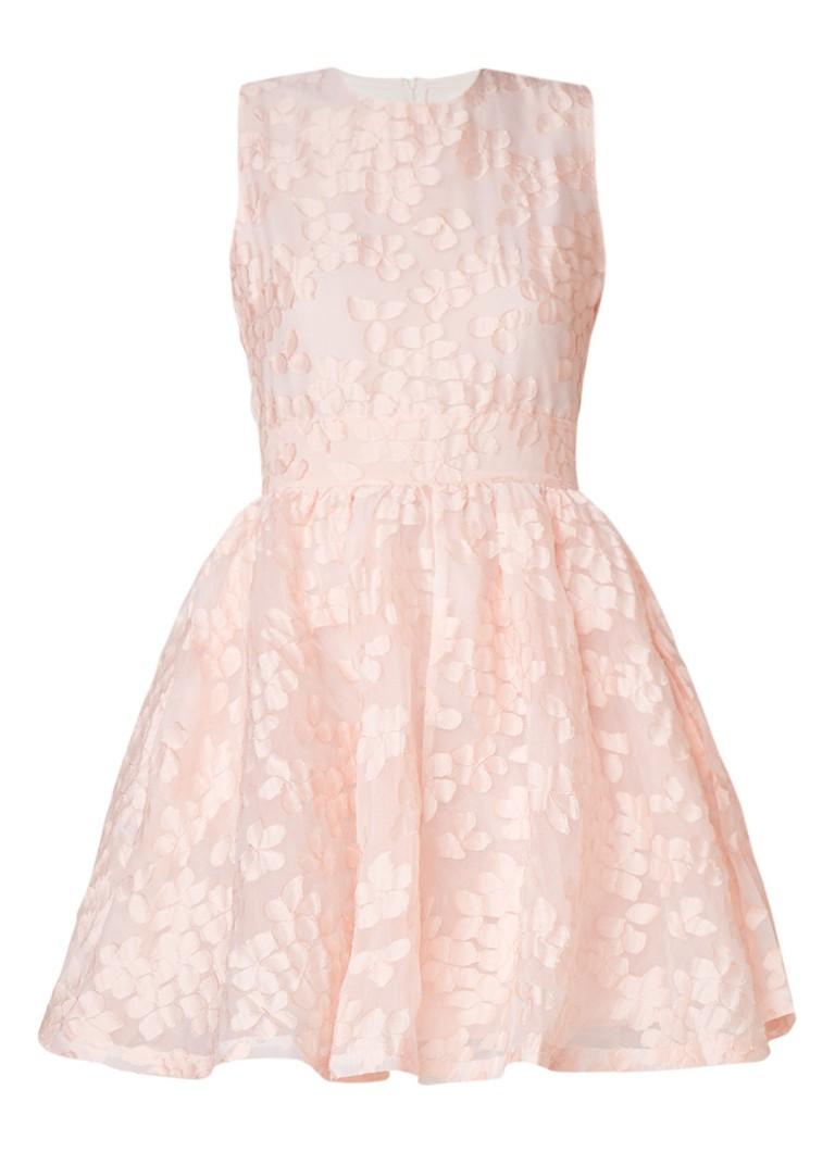 Maje Rex mouwloze A-lijn jurk met bloemendessin zalmroze