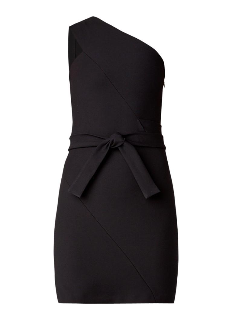 Maje Rimbo one shoulder jurk met ceintuur zwart
