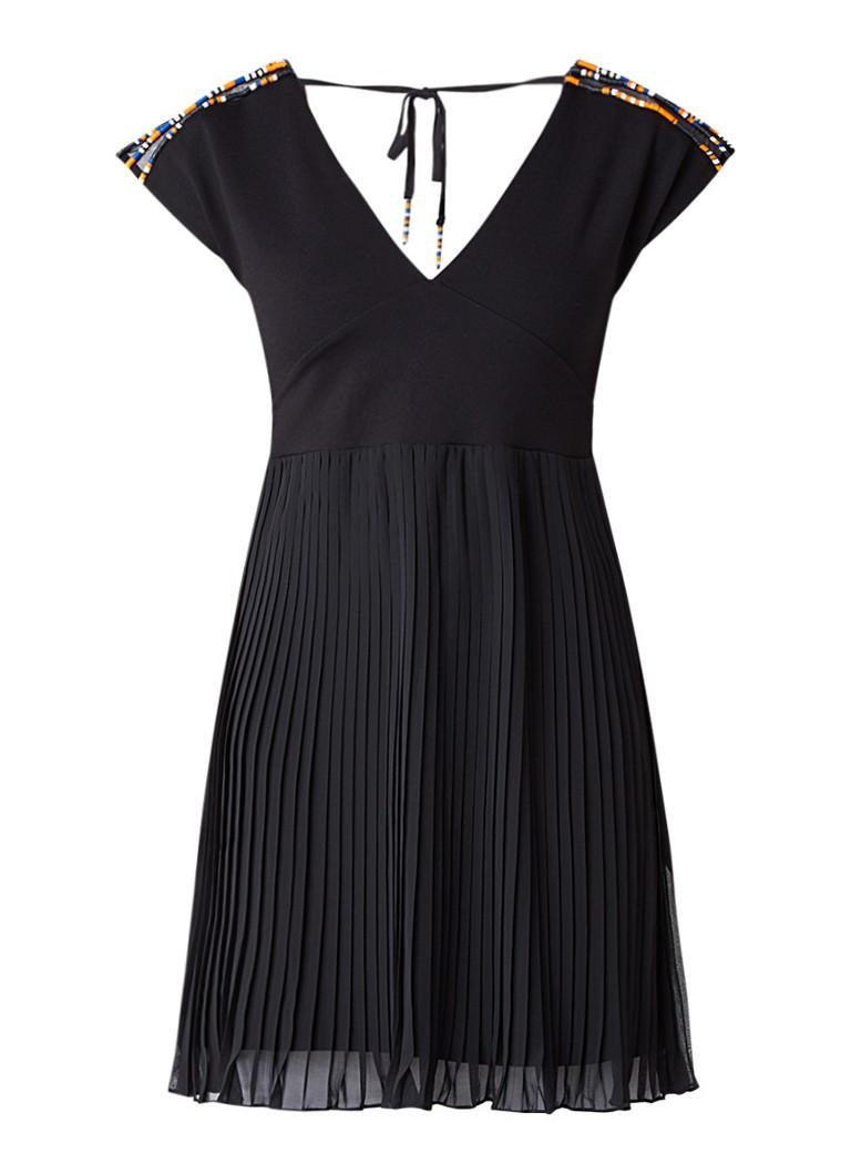 French Connection Dumaka A-lijn jurk met plooien en kraaldecoratie zwart