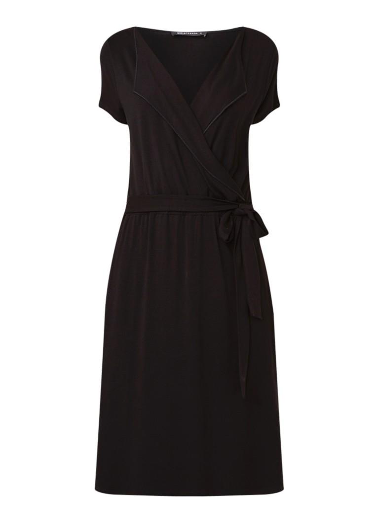 Expresso Fana jurk van jersey met overslag en strikceintuur zwart