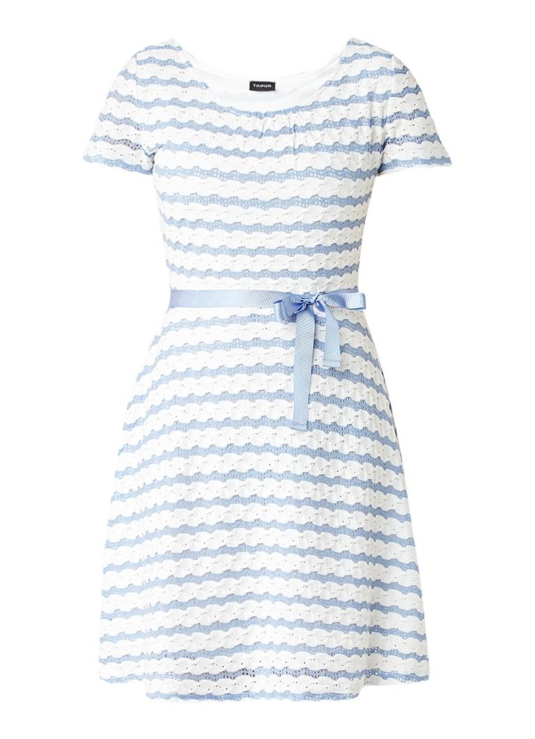 Taifun A-lijn jurk met ingeweven streepdessin en striklint lichtblauw