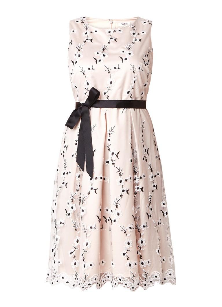 Studio 8 Justine A-lijn jurk met bloemenborduring naturel