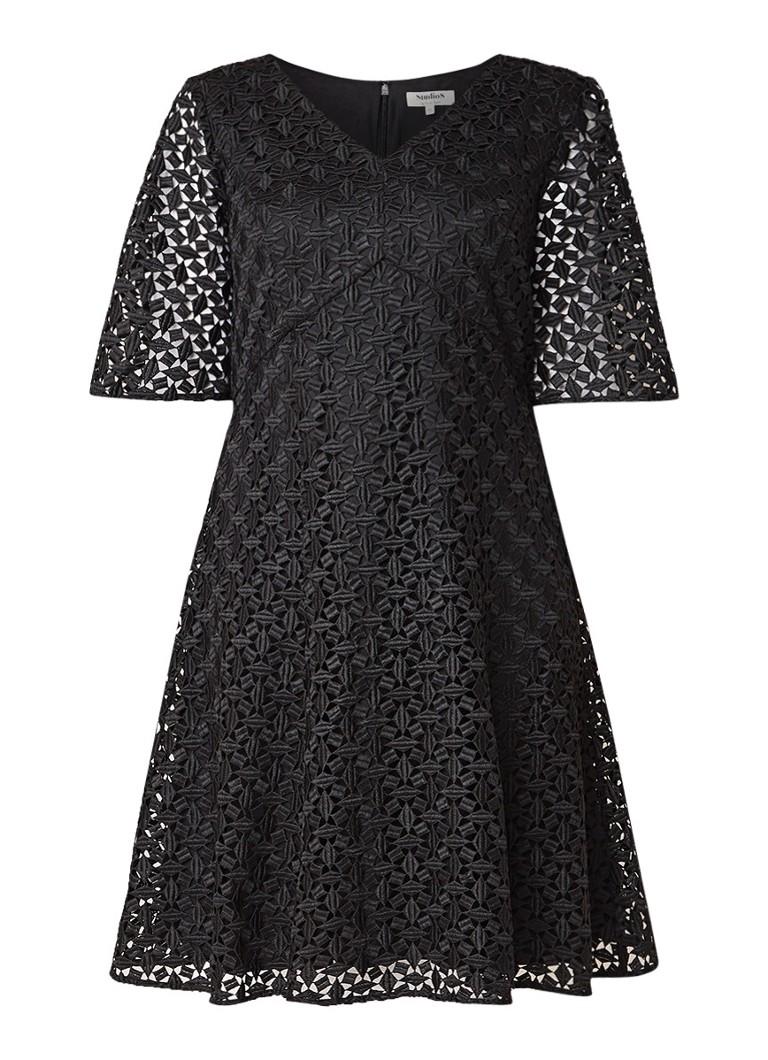 Studio 8 Mary A-lijn jurk met opengewerkt dessin zwart