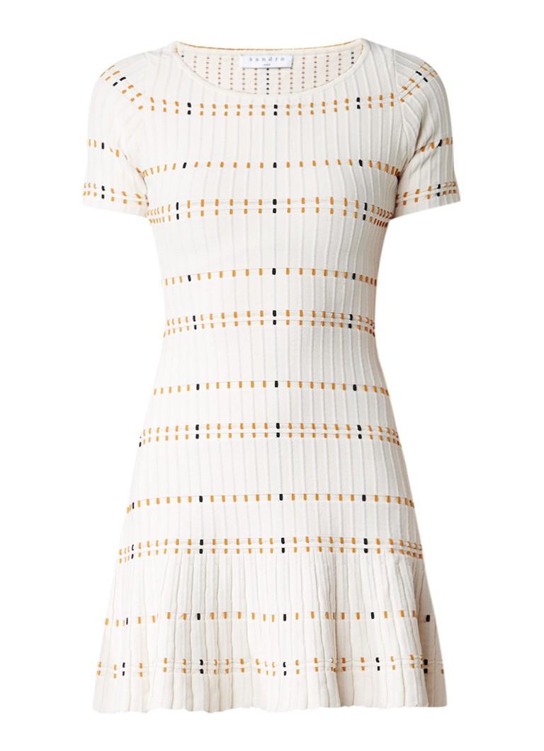 Sandro A-lijn jurk met geborduurde details
