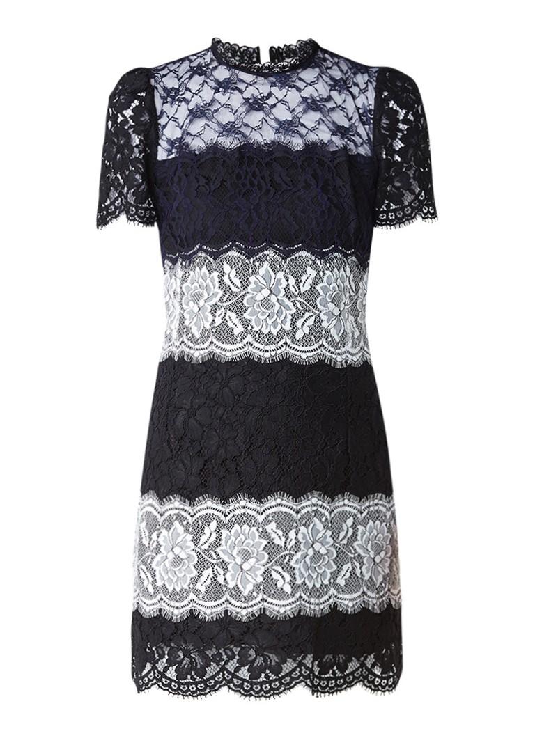 Sandro Aansluitende jurk van kant zwart