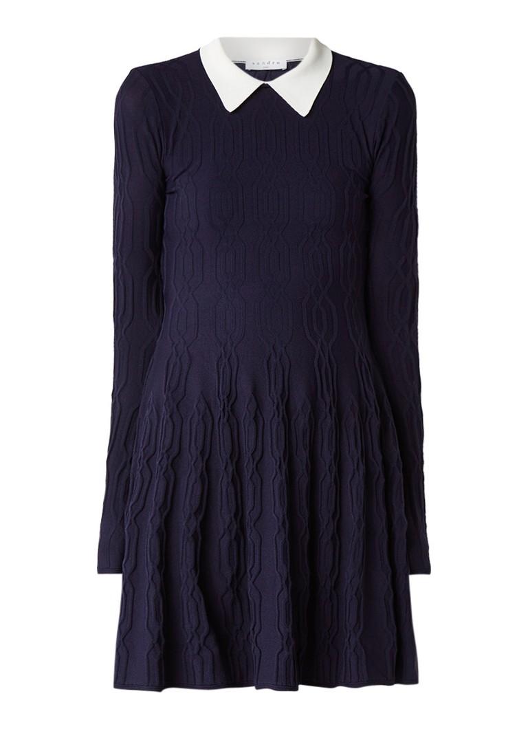 Sandro Kabelgrebreide A-lijn jurk met kraag donkerblauw