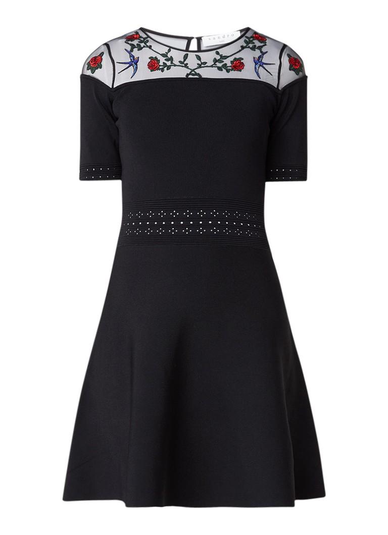 Sandro Semi-transparante A-lijn jurk met inzet van mesh en bloemborduring zwart