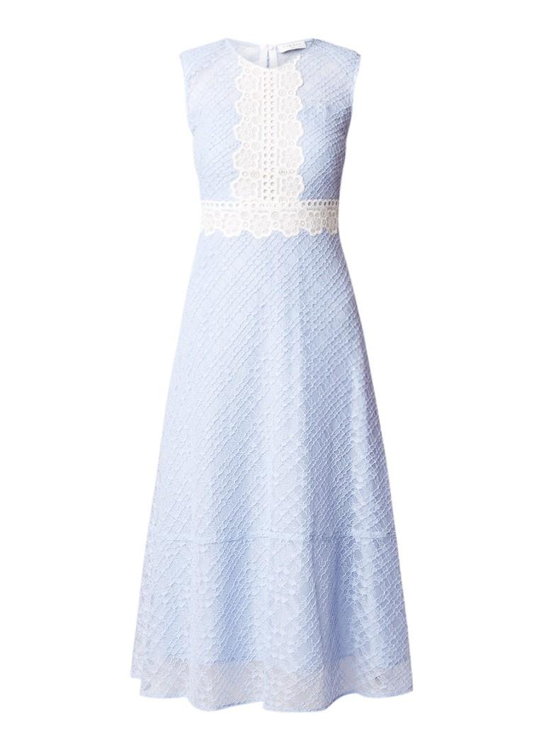 Sandro A-lijn jurk van kant met contrasterende details lichtblauw