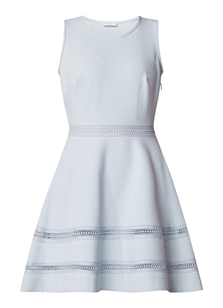 Sandro A-lijn jurk met structuur en opengewerkt detail blauwgrijs