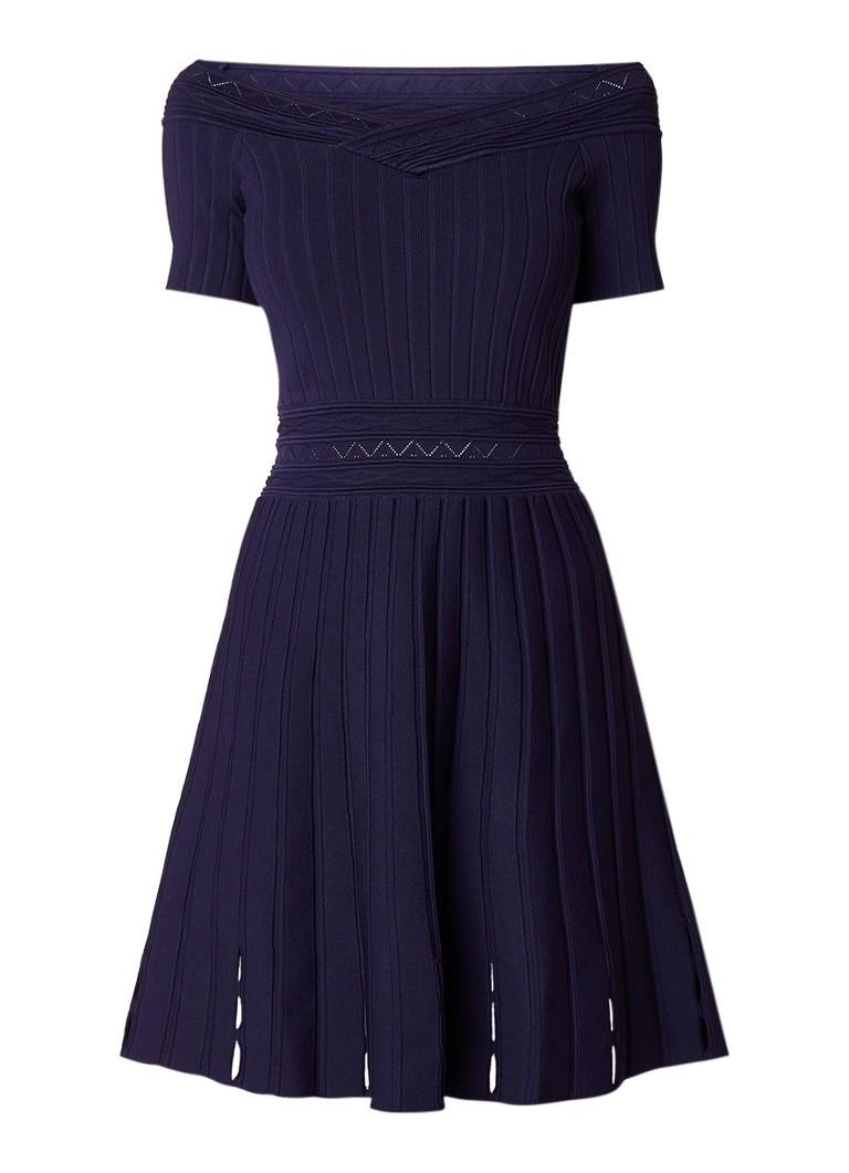 Sandro Off shoulder fijngebreide A-lijn jurk met opengewerkte details bronsgroen