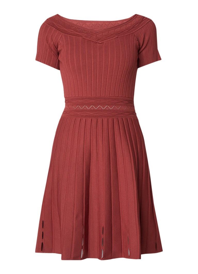 Sandro Off shoulder fijngebreide A-lijn jurk met opengewerkte details