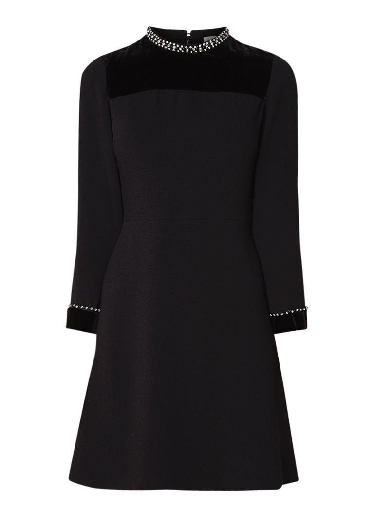 Sandro A-lijn jurk met fluweel en strass-applicatie zwart