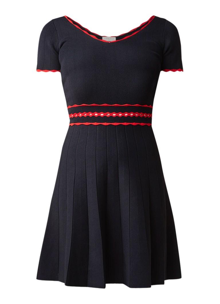 Sandro Fijngebreide A-lijn jurk met contrasterende bies donkerblauw