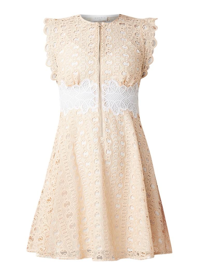 Sandro Kamel A-lijn jurk van kant met ronde hals creme