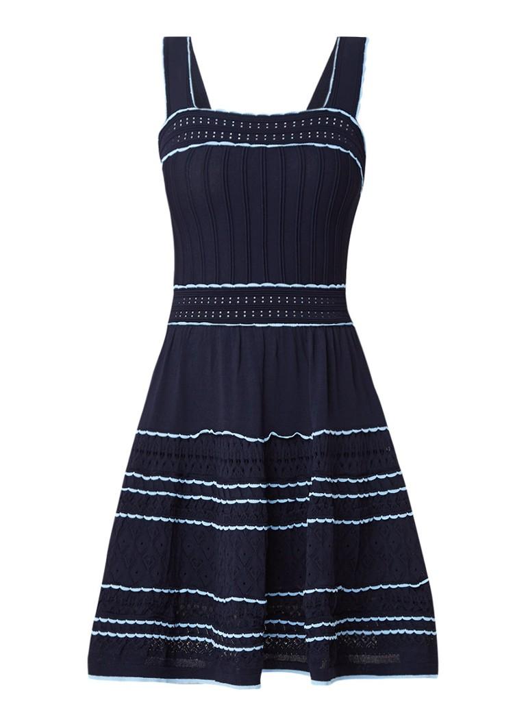 Sandro Midi-jurk met contrastbies en opengewerkt dessin donkerblauw