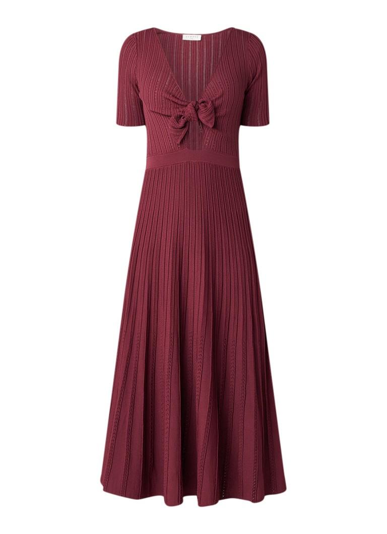 Sandro Ribgebreide midi-jurk met knoopdetail bordeauxrood