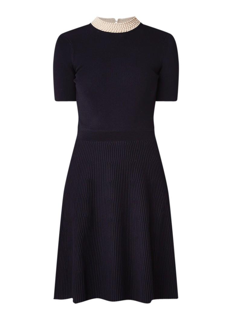 Sandro Fijngebreide A-lijn jurk met imitatieparels donkerblauw