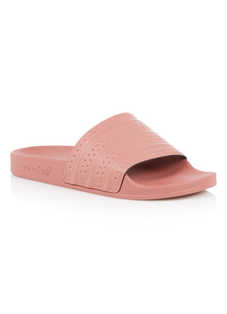 Image of adidas Adilette slipper met reliëf