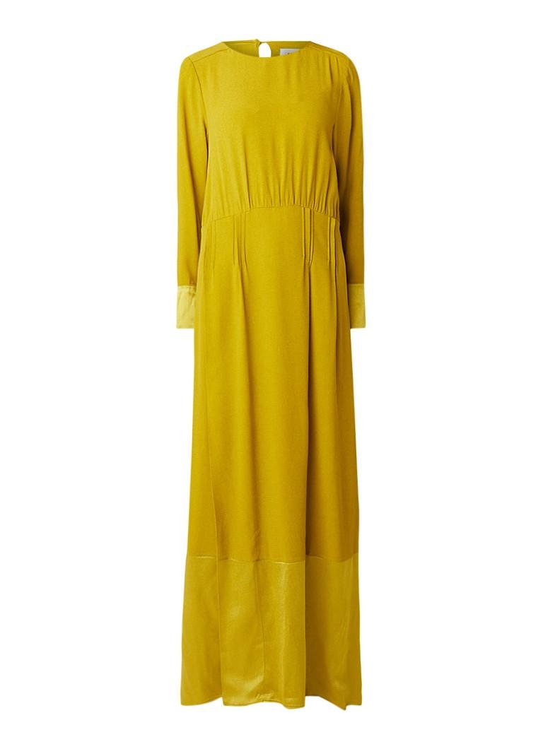 Anecdote Denielle maxi-jurk van satijn met plooidetail goud