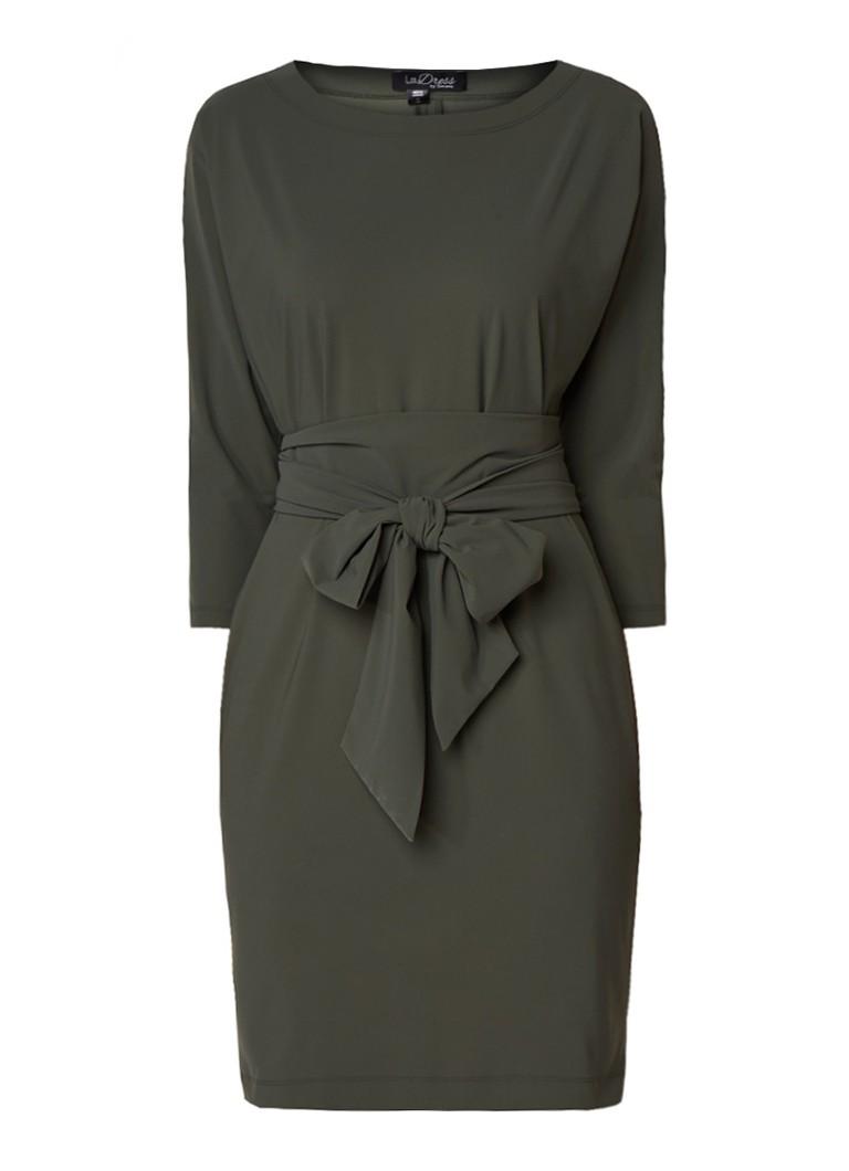 LaDress Carla losvallende jurk met strikceintuur legergroen