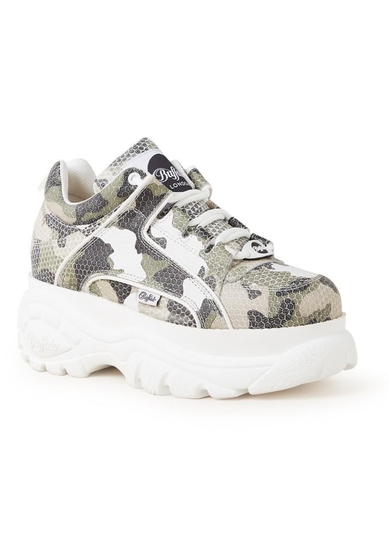Buffalo Sneaker van leer met plateauzool en camouflagedessin