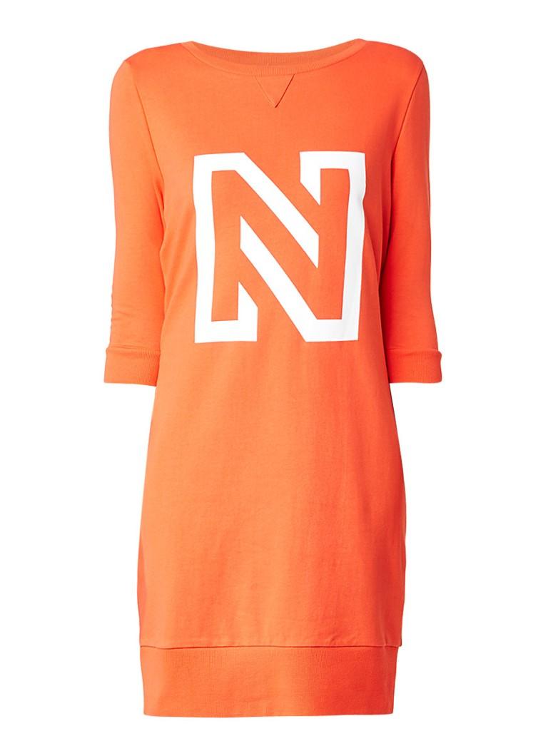 Nikkie N sweatjurk met logo koraalrood