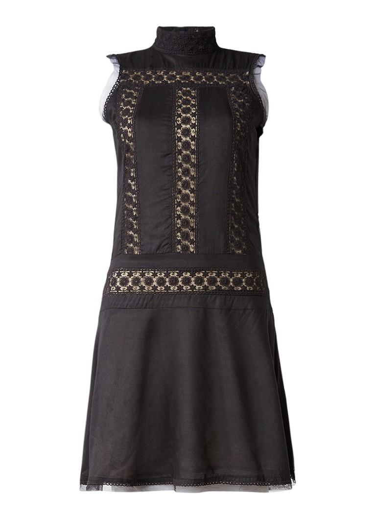Nikkie Ruki jurk met details van kant en rugdecolleté zwart