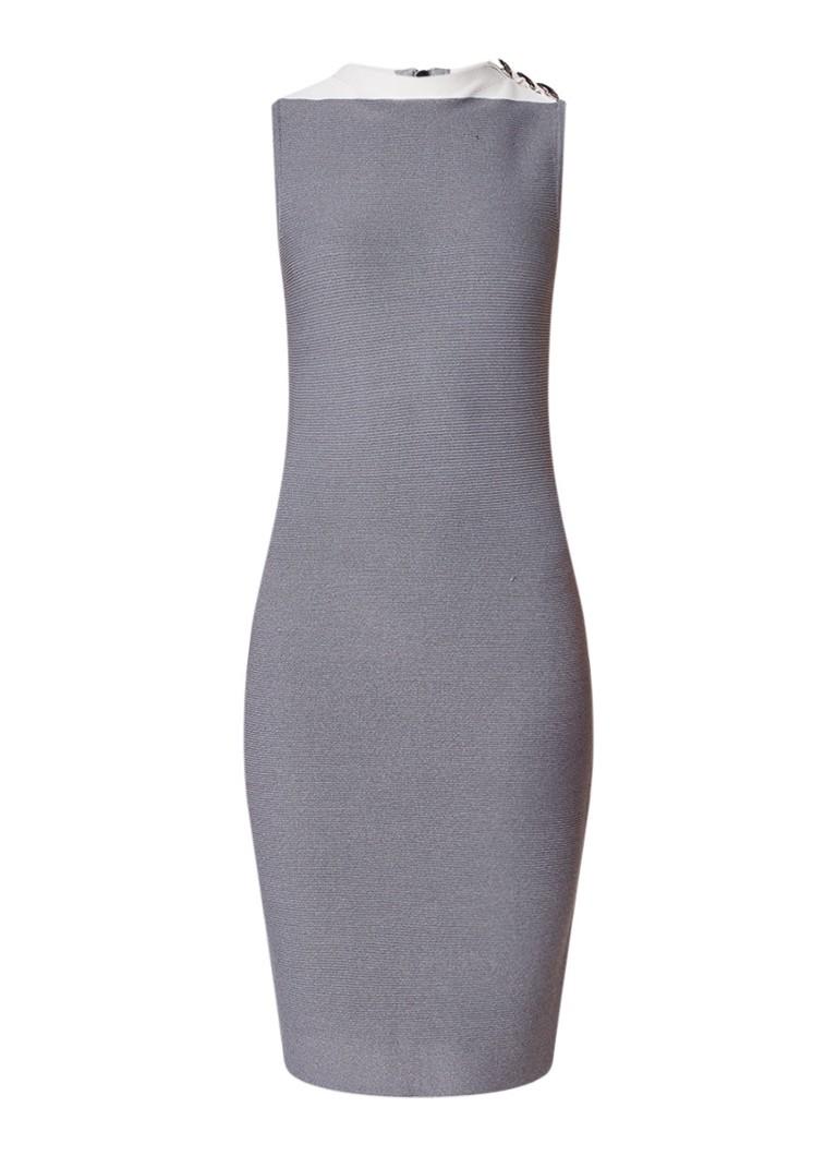 NIKKIE Jara fijngebreide kokerjurk met detail op schouder grijs