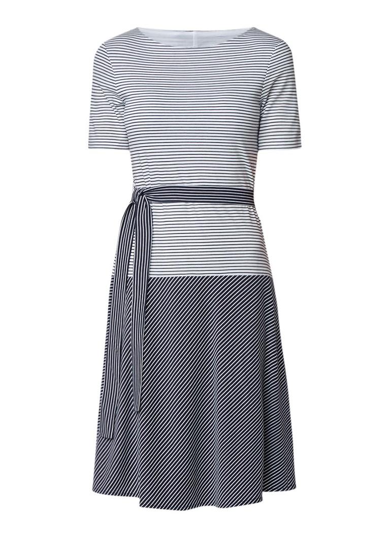 L.K.Bennett Emile gestreepte midi-jurk met strikceintuur donkerblauw
