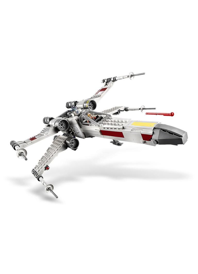 Luke Skywalker's X Wing Fighter 75301