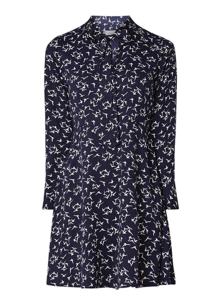 Hobbs Laila A-lijn jurk met vogelprint en strikkraag donkerblauw