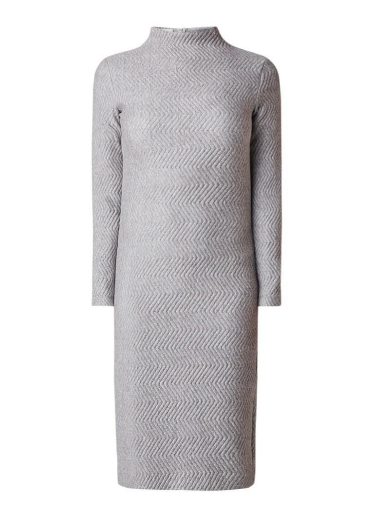 Vanilia Coltrui-jurk met ingebreid zigzagdessin grijsmele