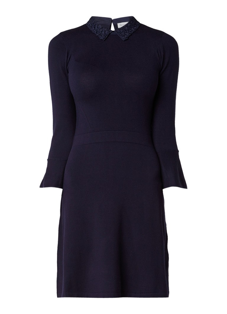 Warehouse Fijngebreide jurk met kraag van kant en volantmouw donkerblauw